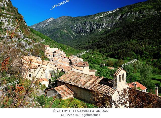 The village of Gars in the Esteron Valley, Prealpes d'Azur regional park, Alpes-Maritimes, Provence-Alpes-Côte d'Azur, France