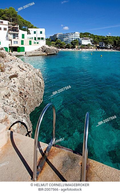 Swimming ladder in the Bay of Santanyi, fishermen's houses, Cala Santanyi, Majorca, Balearic Islands, Spain, Mediterranean, Europe