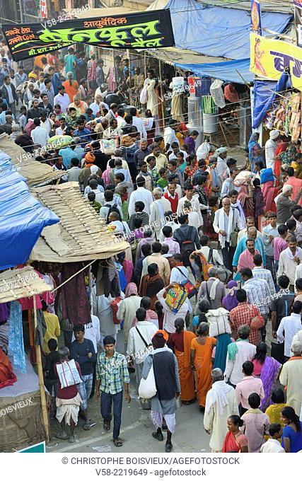 India, Bihar, Patna region, Sonepur livestock fair, Kartik Poornima (Full moon day), The bazar's crowd