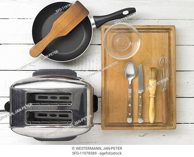 Kitchen utensils for making toast and omelette