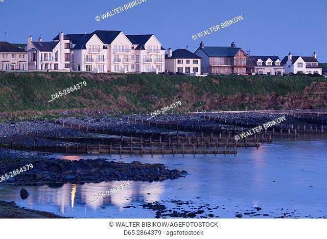UK, Northern Ireland, County Antrim, Portballintrae, port view, dawn