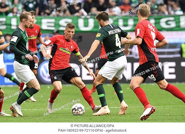 22 September 2018, Lower Saxony, Wolfsburg: Soccer: Bundesliga, Matchday 4: VfL Wolfsburg vs SC Freiburg in the Volkswagen Arena
