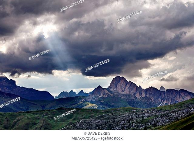 Sunrays, view, mountains, brusquely, peaks, Dolomites, alps, Italy