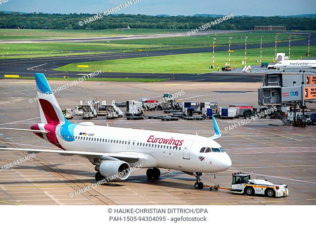 An aircraft type Airbus A320-214 of the airline Eurowings at the airport of Dusseldorf (Germany), 03 August 2017. | usage worldwide