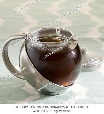 como preparar el te negro. parte de una serie: paso 5 de 5 / How to prepare black tea (Part of a series, step 5 of 5)