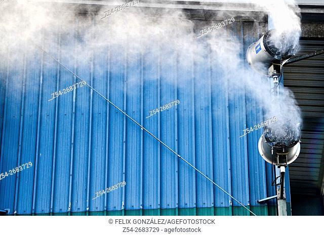 Spray Tower Cleaner. Harbor Aviles, Asturias, Spain