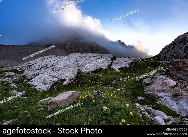 Three Peaks Nature Park, Tre Cime Di Lavaredo, Dolomites, South Tyrol, Italy, Europe