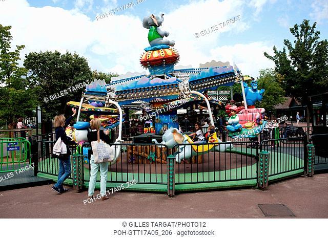 France, Ile de France region, Bois de Boulogne, Jardin d'Acclimatation, attractions, merry go rounds Photo Gilles Targat