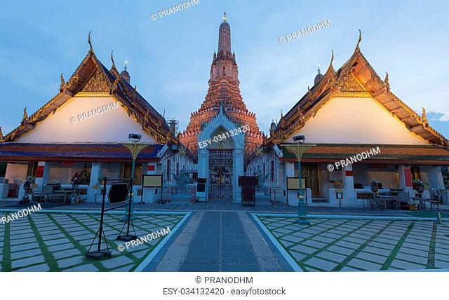 Arun temple or temple of dawn, The most famous Thailand landmark tourist destination