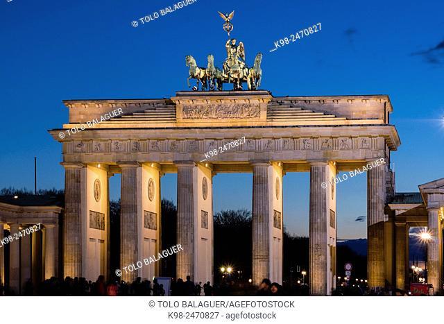 Cuadriga ornamental, puerta de Brandenburgo, obra del arquitecto Carl Gotthard Langhans, Berlin, Germany