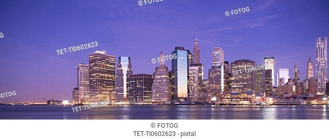 USA, New York State, New York City, City skyline at dusk