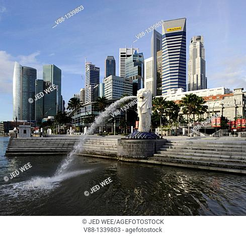 Singapore skyline and Merlion statue in the morning, viewed from Merlion Park, Singapore