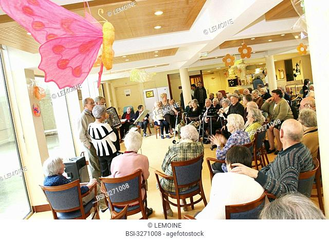 Photo essay in a Housing Institution for Dependent Elderly Persons. Musical show