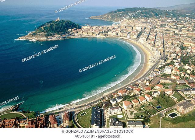 Concha and Gros beach. San Sebastian / Donostia. Guipuzcoa. Spain