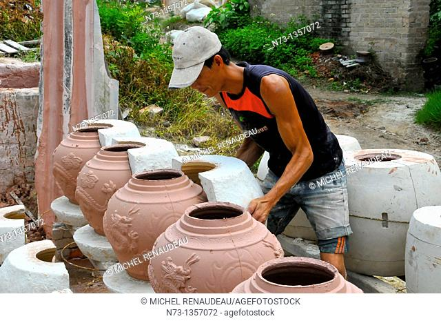 Vietnam, Hanoi region, ceramics workshop