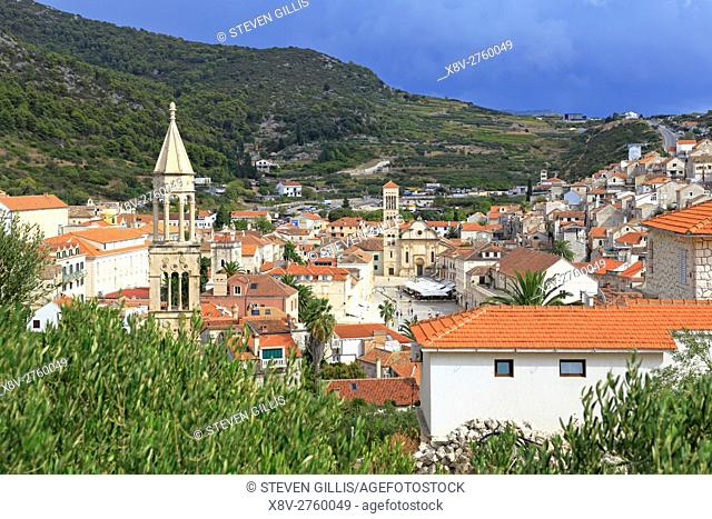 Looking down on St Stephen's Square and the Cathedral, Hvar Town, Croatia, Dalmatia, Dalmatian Coast, Europe