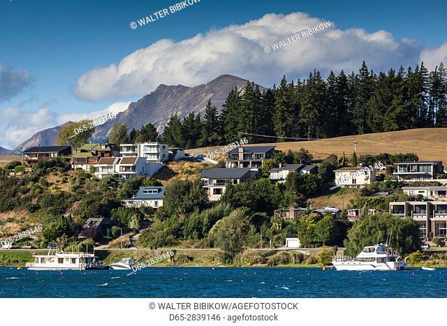 New Zealand, South Island, Otago, Wanaka, town view from Lake Wanaka