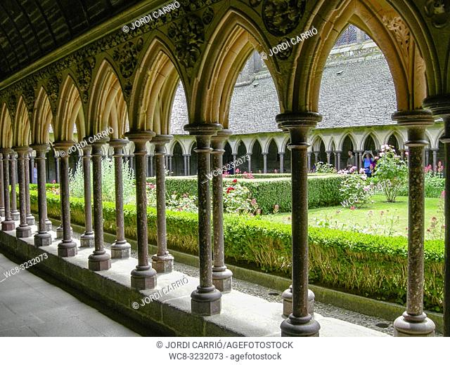 LE MONT SAINT-MICHEL, NORMANDY, FRANCE: View of the arcades of the cloister