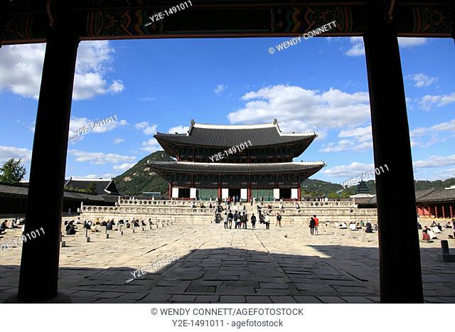 Geunjeongjeon, main palace pavillion, Gyeongbokgung Palace, Palace of Shining Happiness, Seoul, South Korea, Asia