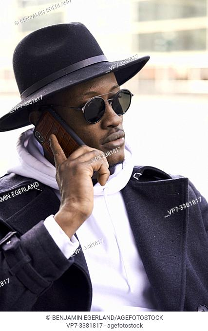 man calling with cellphone