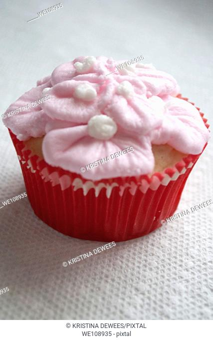A fancy Valentine's Day cupcake