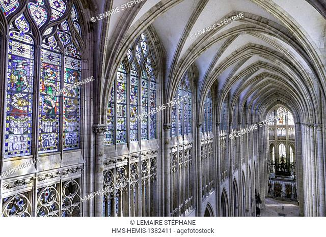 France, Seine Maritime, Rouen, Saint Ouen Abbey (12th to 15th century) and Flamboyant Gothic style, the nave
