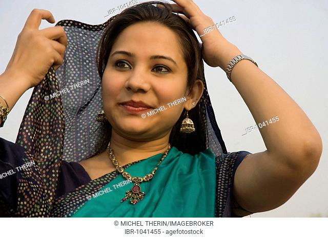 Indian woman, portrait, Delhi, India, South Asia