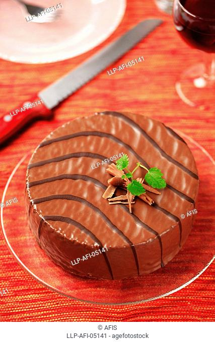 Chocolate glazed cake