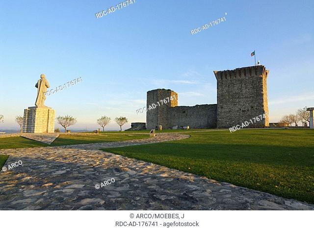 Castel garden, Castelo de Ourem, Vila Nova de Ourem, Regiao do Centro, Portugal