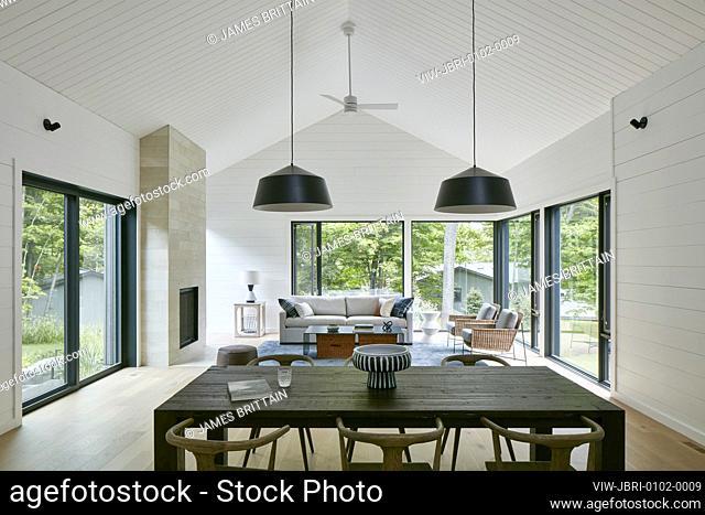 Dining. Taggart Lake House, Ottawa, Canada. Architect: Christopher Simmonds Architect, 2019