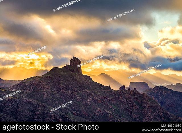 Spain, Canary Islands, Gran Canaria Island, Tejeda, mountain landscape with Roque Bentayga, sunset