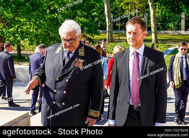09.05.2020, Berlin, Sergei Jurjewitsch Netschajew, Ambassador of the Russian Federation to the Federal Republic of Germany in conversation with Michael...