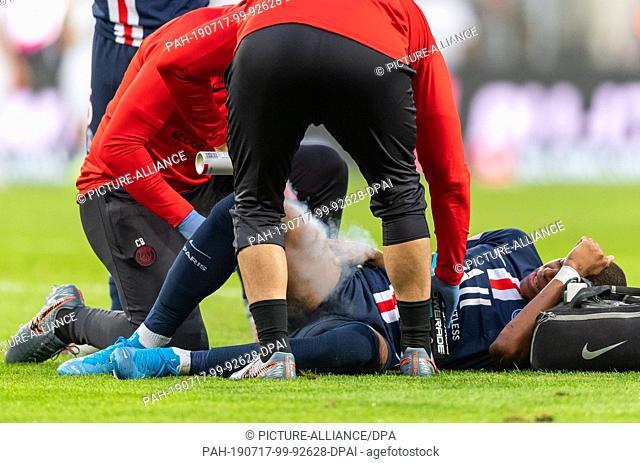 16 July 2019, Saxony, Dresden: Football, test match, SG Dynamo Dresden - Paris Saint-Germain, in the Rudolf-Harbig-Stadium