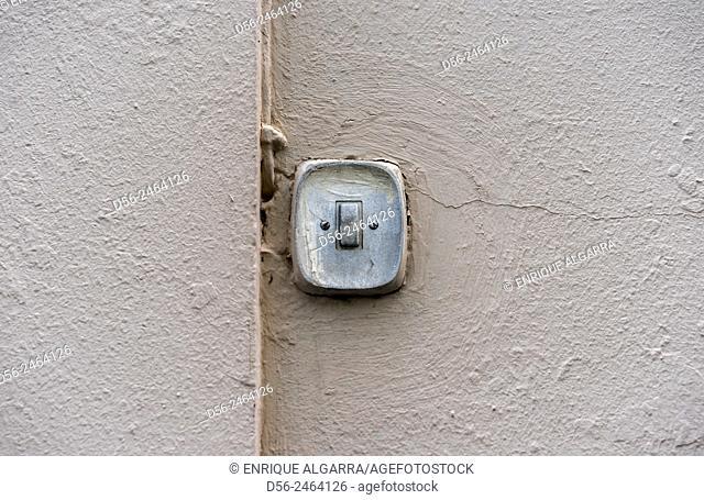 Door bell, Valencia, Spain