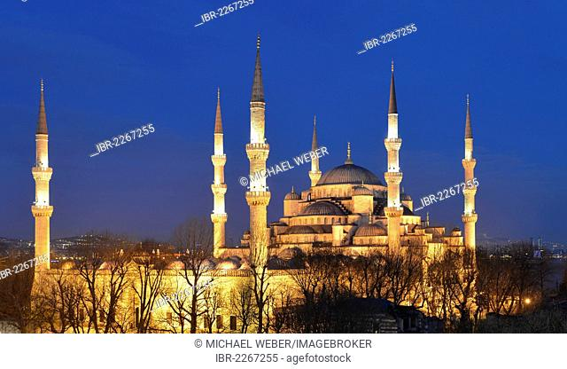 Sultan Ahmed Mosque or Blue Mosque, night shot, Sultanahmet, historic district, a UNESCO World Heritage Site, Istanbul, Turkey, Europe, PublicGround