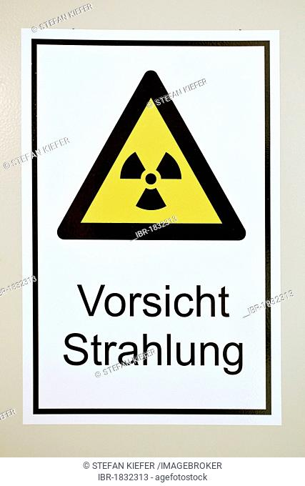 Warning sign, Vorsicht Strahlung or caution radiation