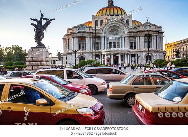 Traffic and Palacio de Bellas Artes, Mexico City, Mexico