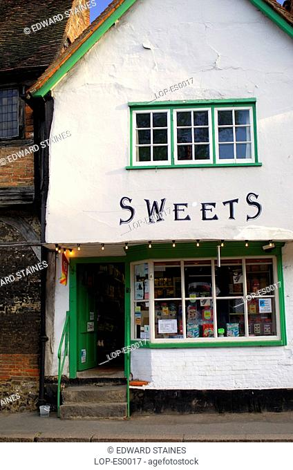 England, Buckinghamshire, West Wycombe, Traditional sweet shop in West Wycombe. West Wycombe village is owned by the National Trust