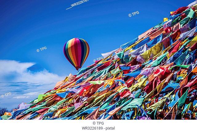 Flying lollipop
