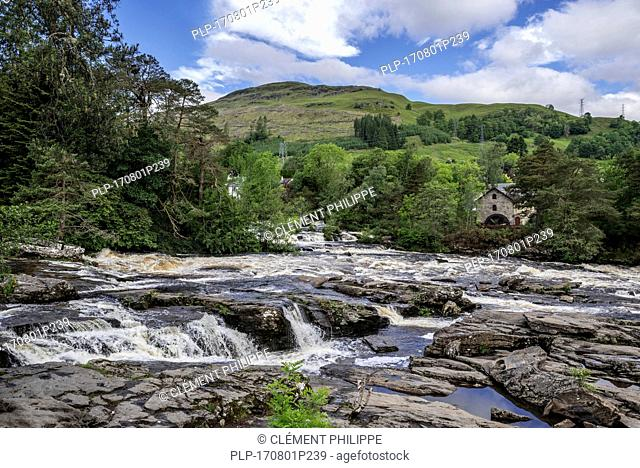 Falls of Dochart in the village Killin and the Old Mill / St Fillan's Mill, Loch Lomond & The Trossachs National Park, Stirling, Scotland, UK
