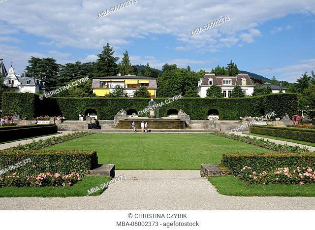 Germany, Baden-Wurttemberg, Baden-Baden, rose garden, tourist