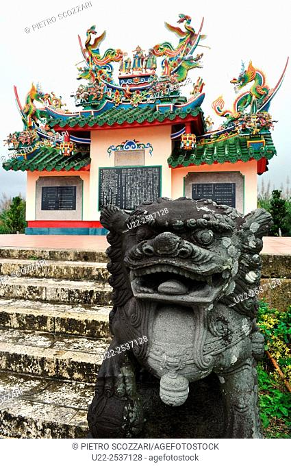 Ishigaki, Okinawa, Japan: Chinese tomb in memory of 128 Chinese persons dead on the island