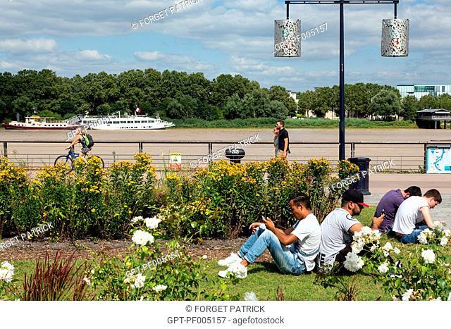 FLOWERING PARKS, LOUIS XVIII QUAY, CITY OF BORDEAUX, GIRONDE (33), FRANCE