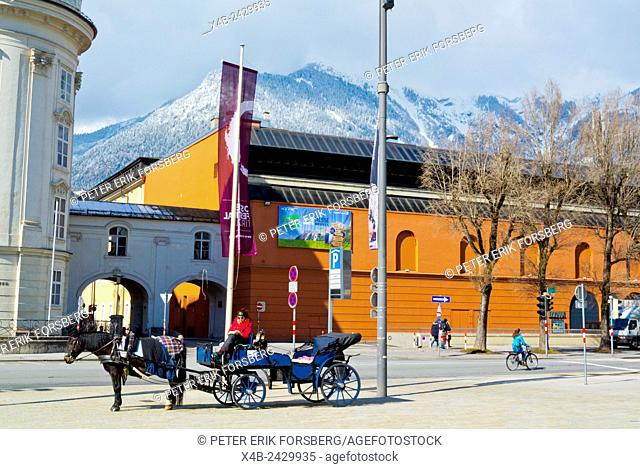 Horse drawn carriage outside Hofburg and Congress, Rennweg, Innsbruck, Inn Valley, Tyrol, Austria