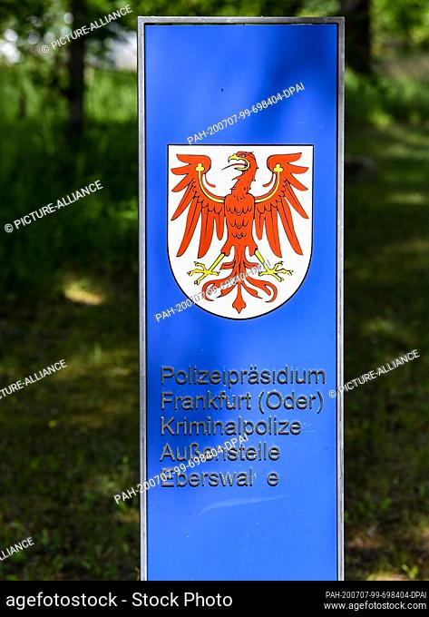06 July 2020, Brandenburg, Eberswalde: A sign on the premises of the State Authority Centre points to the Frankfurt (Oder) police headquarters and the...