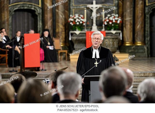 Das Festjahr zum 500. Reformationsjubilaeum hat am Montag (31.10.16) mit einem Festgottesdienst in der Berliner Marienkirche begonnen