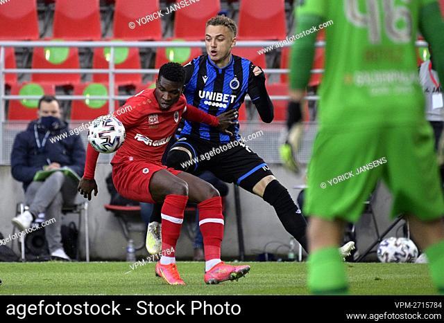 Antwerp's Aurelio Buta and Club's Noa Lang fight for the ball during a soccer match between Royal Antwerp FC and Club Brugge, Thursday 13 May 2021 in Antwerp
