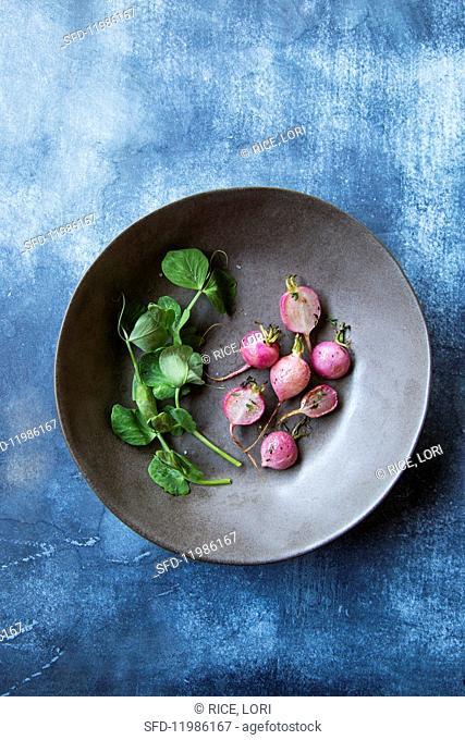 Roasted radishes with watercress