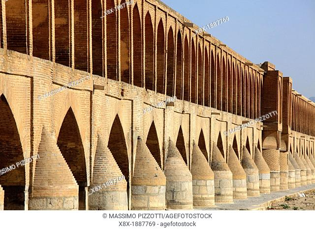 Si-o-Seh Pol, also called the Bridge of 33 Arches, Esfahan, Iran
