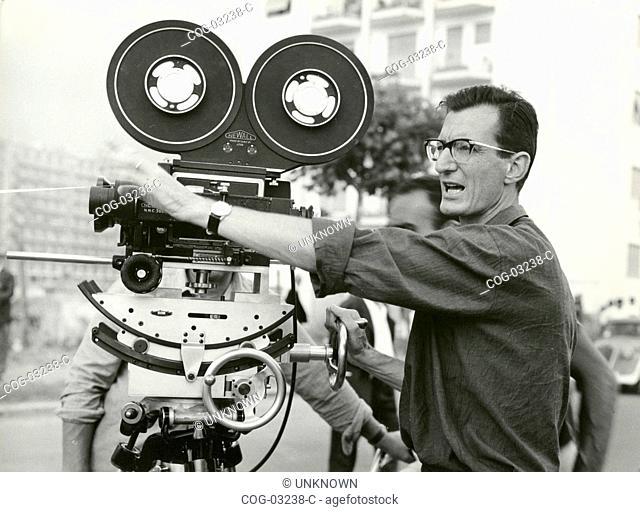 The Italian director Carlo Lizzani with the camera